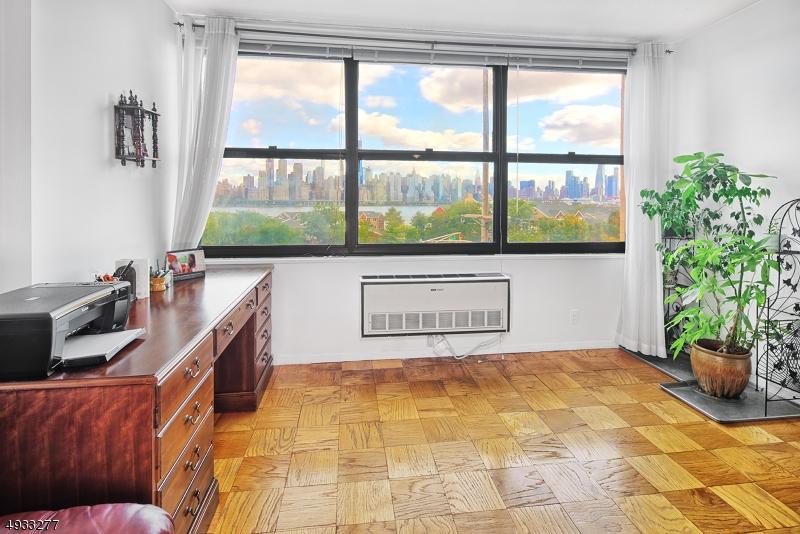 公寓 / 聯排別墅 為 出售 在 Guttenberg, 新澤西州 07093 美國