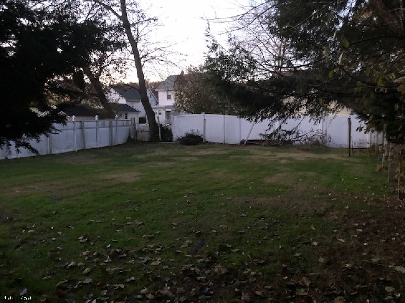 Additional photo for property listing at  Garwood, New Jersey 07027 United States