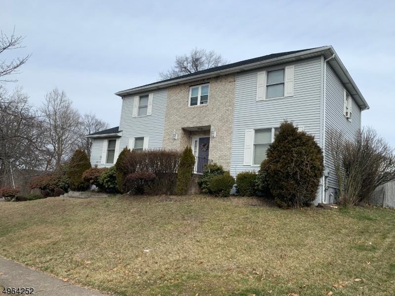 Single Family Homes vì Bán tại Woodland Park, New Jersey 07424 Hoa Kỳ