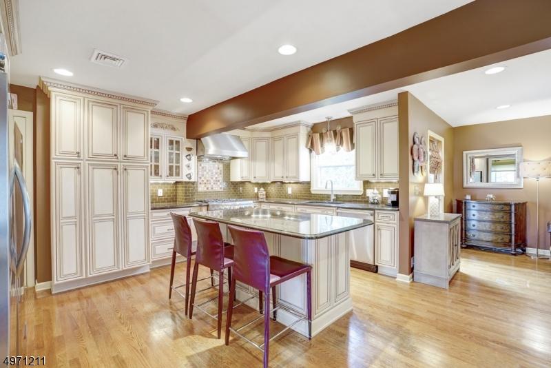 Property للـ Sale في Kenilworth, New Jersey 07033 United States