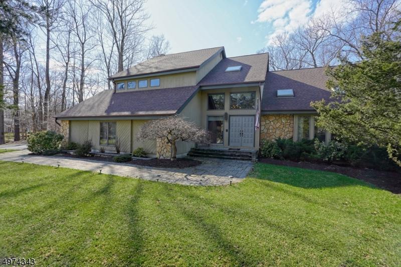 Single Family Homes のために 売買 アット Sparta, ニュージャージー 07871 アメリカ