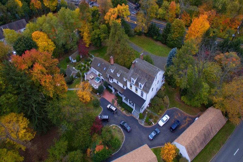 独户住宅 为 销售 在 218 Paramus Road 帕拉默斯, 07652 美国