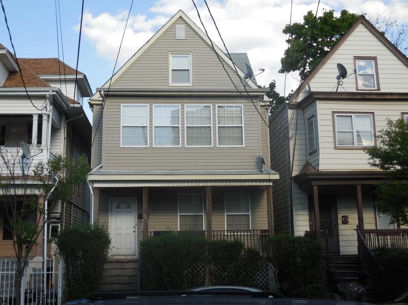 Casa Unifamiliar por un Venta en 400 Sandford Avenue Newark, Nueva Jersey 07106 Estados Unidos