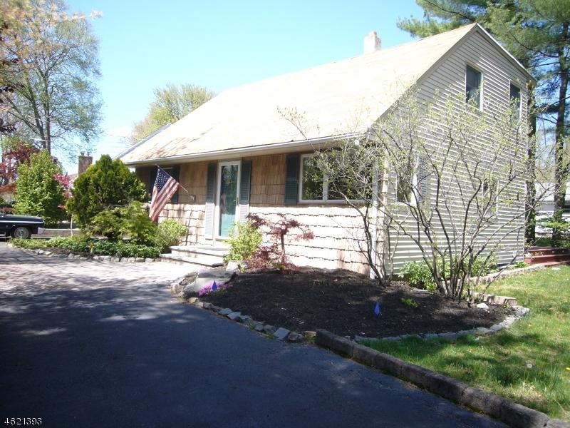 Частный односемейный дом для того Продажа на 122 Rivervale Road Westwood, 07675 Соединенные Штаты