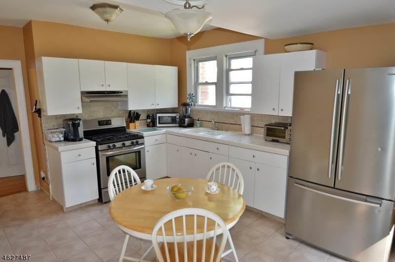 Additional photo for property listing at 6 Townsend Avenue  Cedar Knolls, Nueva Jersey 07927 Estados Unidos