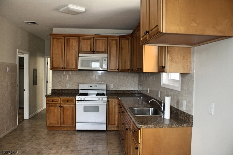 Additional photo for property listing at 703 Jefferson Avenue  Elizabeth, New Jersey 07201 United States