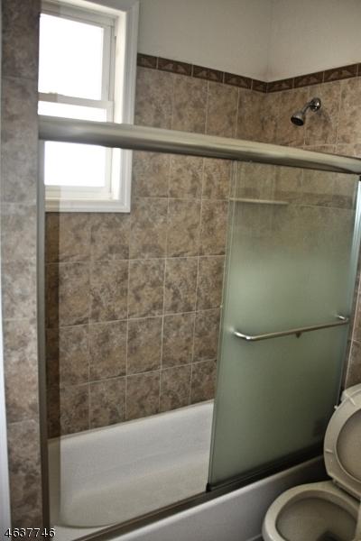Additional photo for property listing at 703 Jefferson Avenue  Elizabeth, 新泽西州 07201 美国