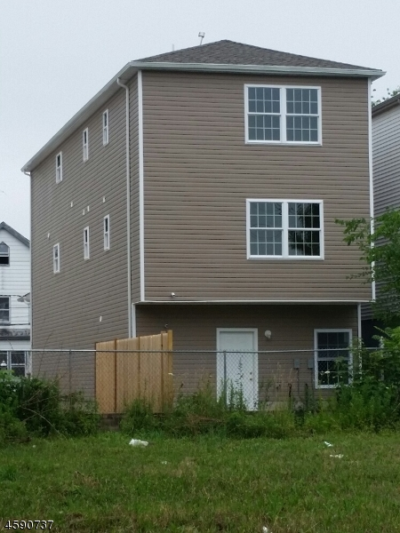 Additional photo for property listing at 1061 William Street  Elizabeth, New Jersey 07201 United States