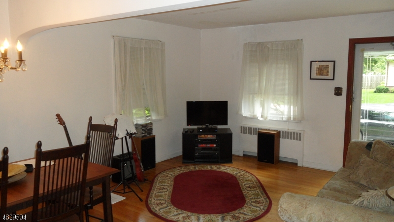 Additional photo for property listing at 167 Myrtle Avenue  Garwood, New Jersey 07027 États-Unis