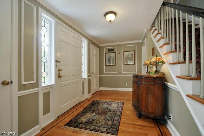 Additional photo for property listing at 1090 OAKLAND Avenue  Plainfield, Nueva Jersey 07060 Estados Unidos