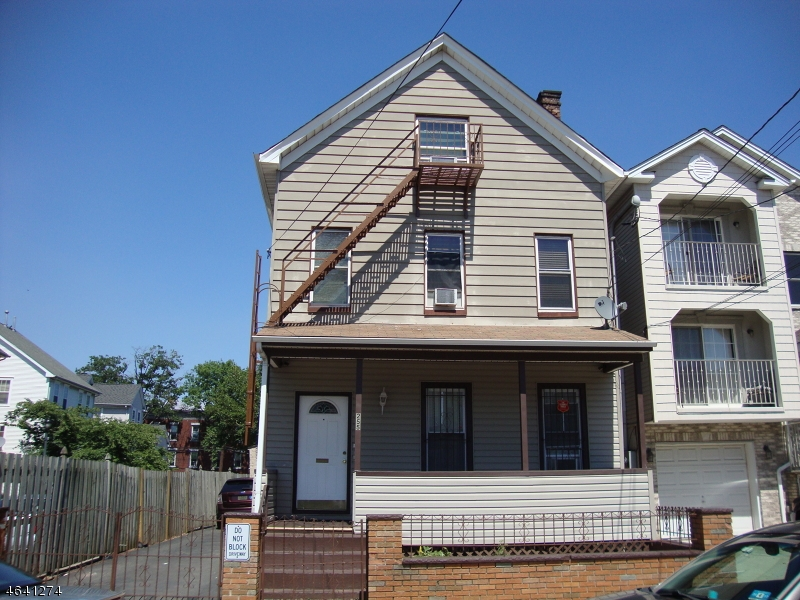 Additional photo for property listing at 255-257 CLARK Place  Elizabeth, New Jersey 07206 États-Unis