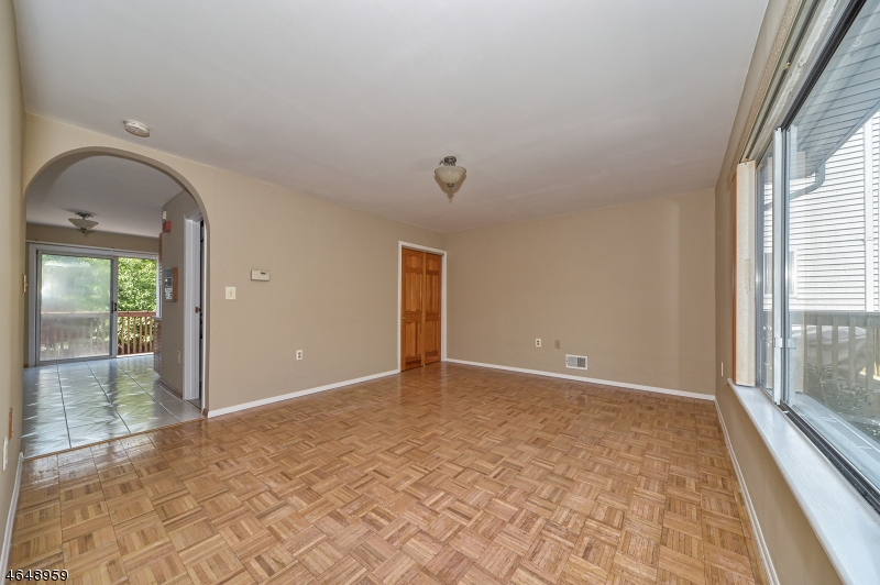 Additional photo for property listing at 404-406 CHESTNUT Street  Newark, New Jersey 07105 United States