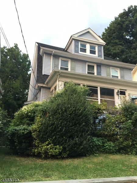 Additional photo for property listing at 22 Wellington Avenue  West Orange, New Jersey 07052 États-Unis