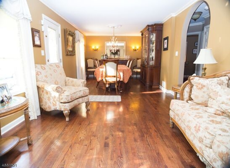 Additional photo for property listing at 48 S 20th Street  Kenilworth, Nueva Jersey 07033 Estados Unidos