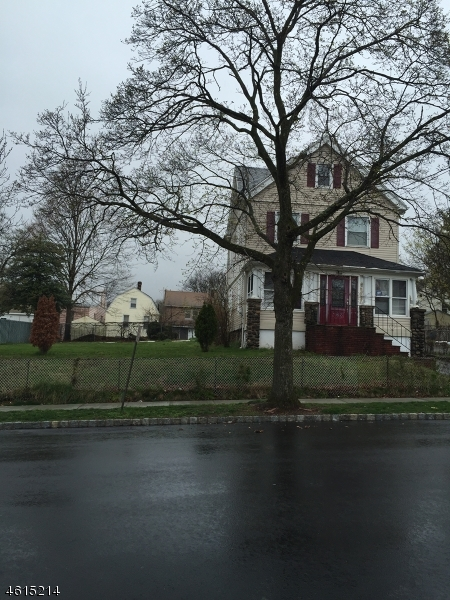 Additional photo for property listing at 163 High Street  West Orange, New Jersey 07052 États-Unis