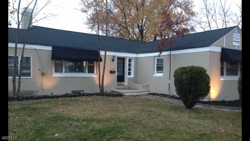 Частный односемейный дом для того Продажа на 1018 Mountain Avenue Mountainside, 07092 Соединенные Штаты