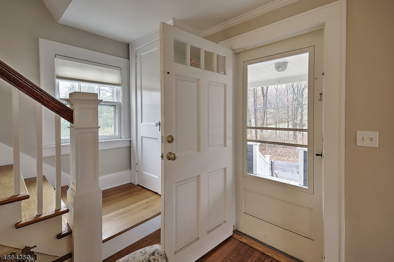 Additional photo for property listing at 12 Joliet Street  Oldwick, New Jersey 08858 États-Unis