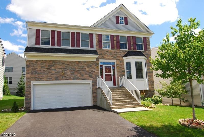 独户住宅 为 出租 在 37 Helms Mill Road 哈克特斯镇, 新泽西州 07840 美国