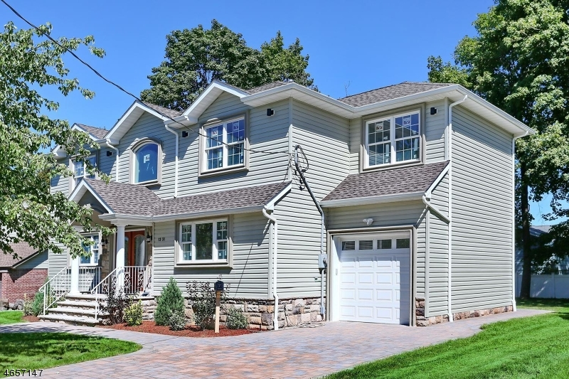 Casa Unifamiliar por un Venta en 13-31 Jerome Place Fair Lawn, Nueva Jersey 07410 Estados Unidos