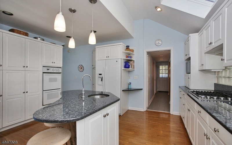 Additional photo for property listing at 800 Kimball Avenue  Westfield, New Jersey 07090 États-Unis