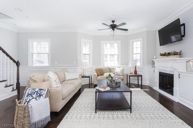 Частный односемейный дом для того Продажа на 4 Central Ave H Caldwell, Нью-Джерси 07006 Соединенные Штаты
