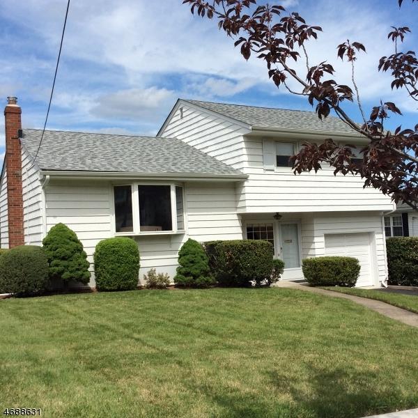一戸建て のために 売買 アット 8 View Place 8 View Place Clifton, ニュージャージー 07013 アメリカ合衆国