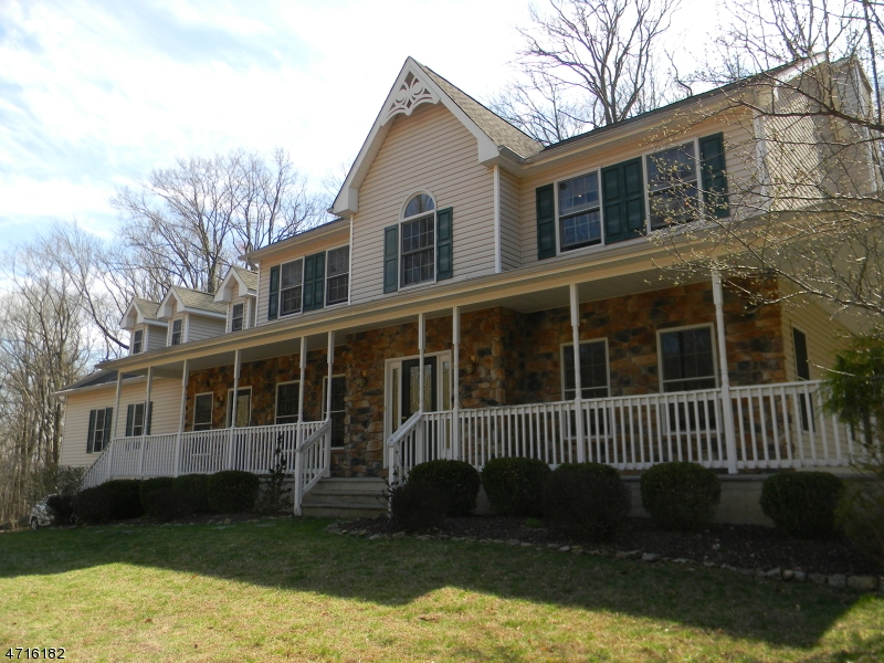 Single Family Home for Sale at 139 Black Brook Road Hampton, New Jersey 08827 United States