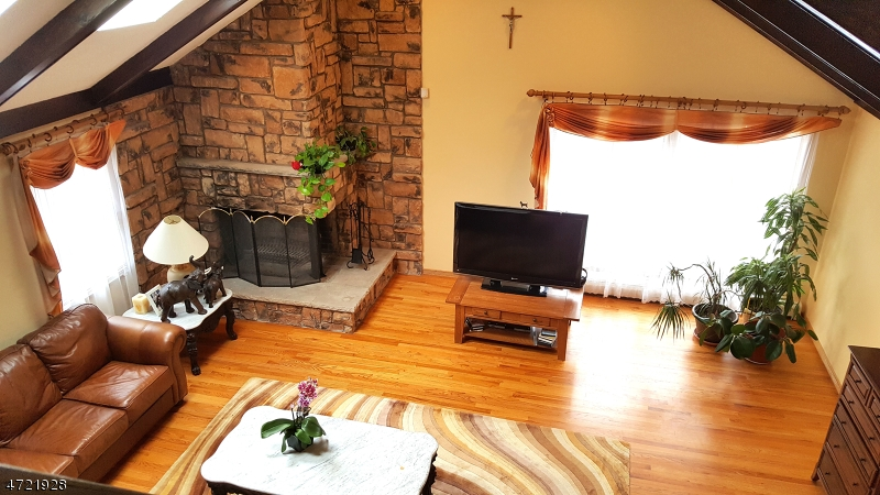 Additional photo for property listing at 356 Mount Prospect Avenue  Clifton, 뉴저지 07012 미국