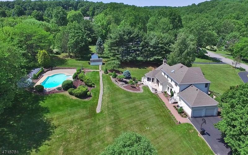 Частный односемейный дом для того Продажа на 59 Country Acres Drive Union, Нью-Джерси 08827 Соединенные Штаты