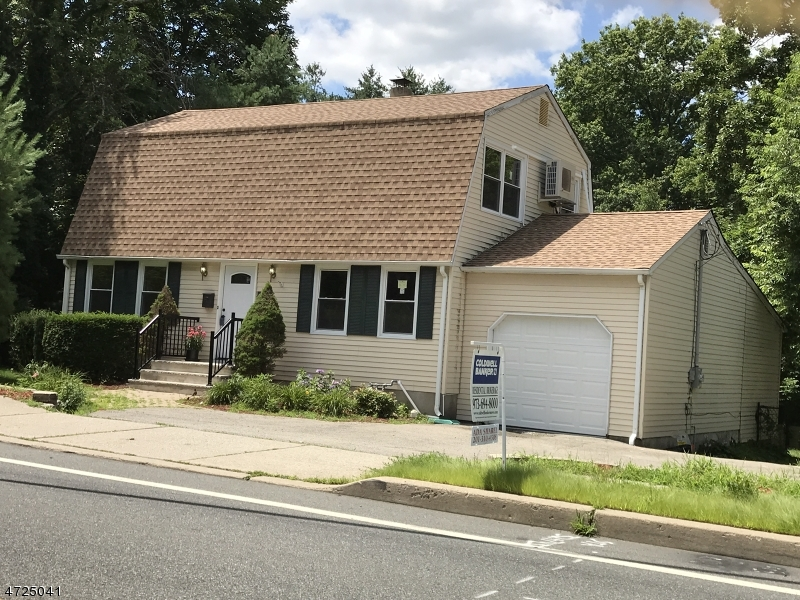 Single Family Home for Sale at 103 Glenwild Avenue Bloomingdale, New Jersey 07403 United States