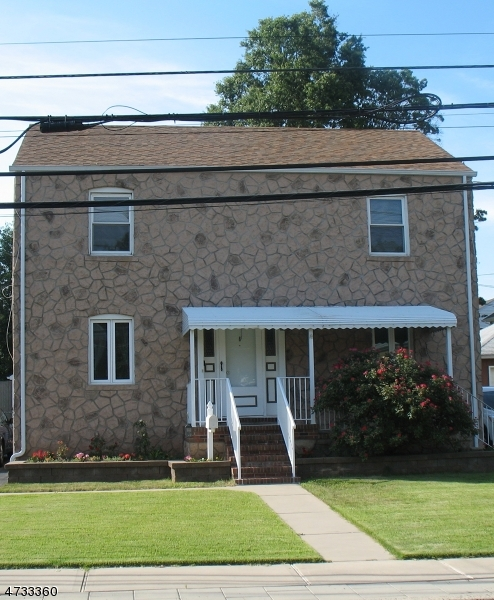 Multi-Family Home for Sale at 8 Edgewood Ter South Bound Brook, New Jersey 08880 United States