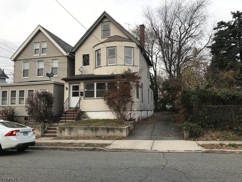 Maison unifamiliale pour l Vente à 579 Chestnut Street Orange, New Jersey 07050 États-Unis