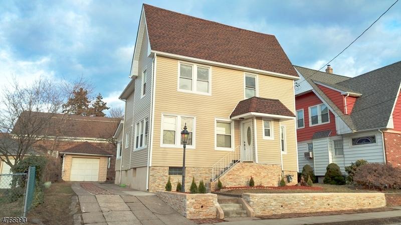 Частный односемейный дом для того Продажа на 13 N 13th Street Haledon, Нью-Джерси 07508 Соединенные Штаты