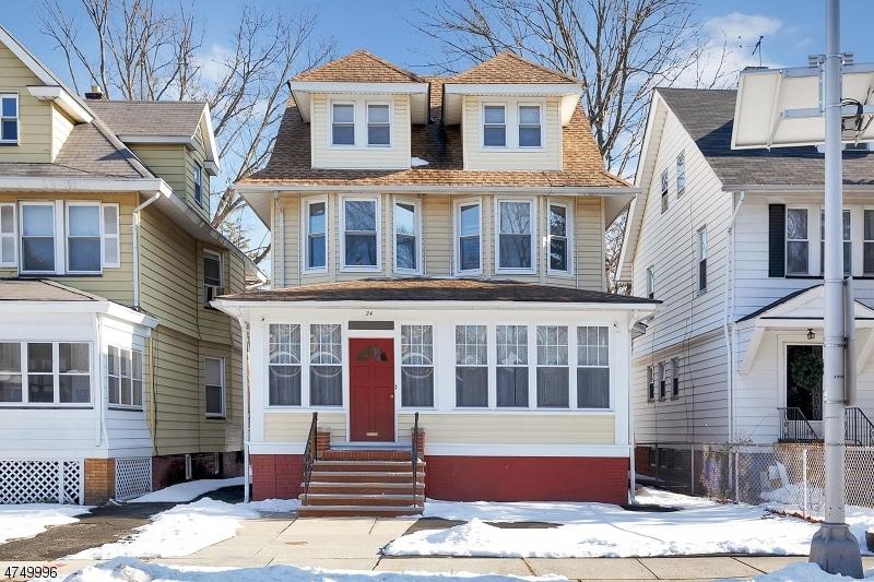 独户住宅 为 销售 在 24 N 21st Street East Orange, 新泽西州 07017 美国