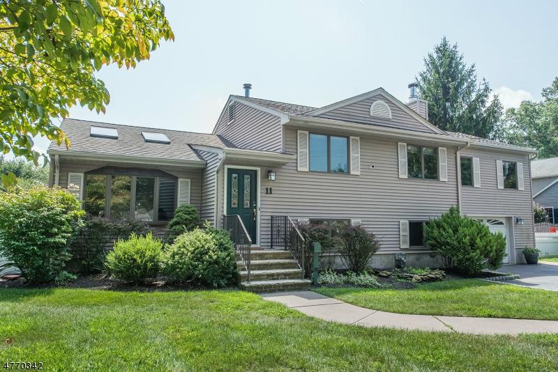 Casa Unifamiliar por un Venta en 11 Ackerson Avenue Pequannock, Nueva Jersey 07440 Estados Unidos