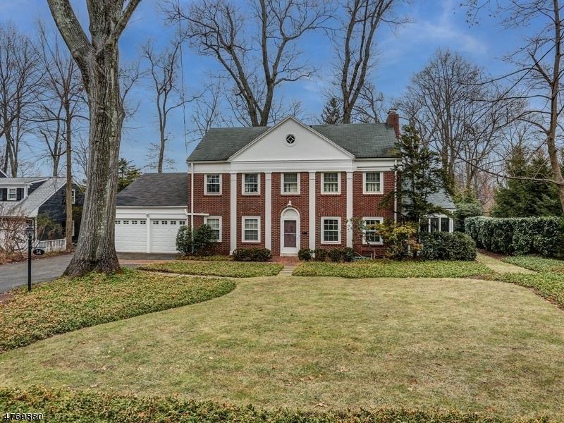 独户住宅 为 销售 在 54 Fairview Avenue 查塔姆, 新泽西州 07928 美国