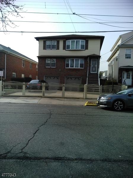 二世帯住宅 のために 売買 アット 511 Richford Ter 511 Richford Ter Linden, ニュージャージー 07036 アメリカ合衆国