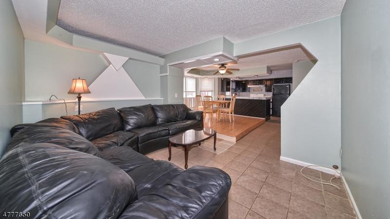 Частный односемейный дом для того Аренда на 35 Manning Avenue Butler, Нью-Джерси 07405 Соединенные Штаты