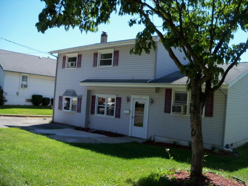 Einfamilienhaus für Verkauf beim 115 Merriam Avenue 115 Merriam Avenue Newton, New Jersey 07860 Vereinigte Staaten