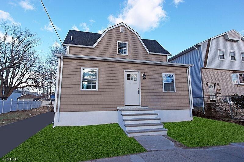 Частный односемейный дом для того Продажа на 1121 Frank Street Roselle, Нью-Джерси 07203 Соединенные Штаты