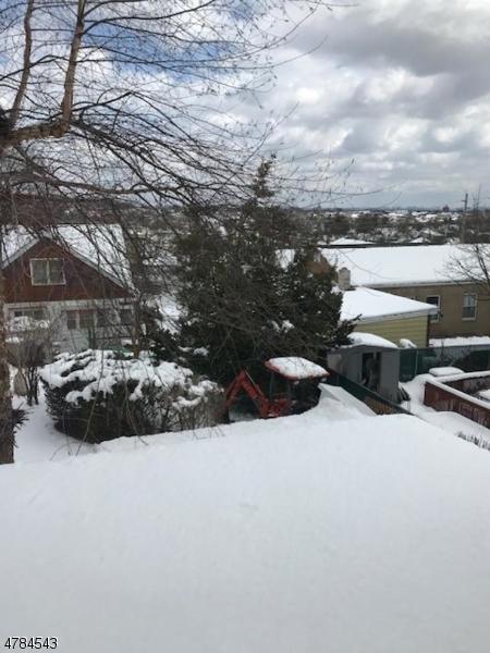 Частный односемейный дом для того Продажа на 414 Mason Avenue Haledon, Нью-Джерси 07508 Соединенные Штаты