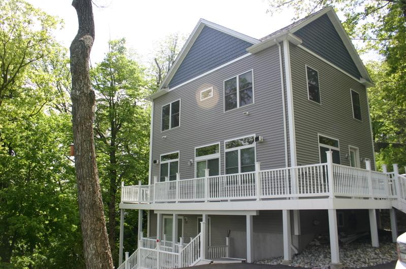 独户住宅 为 销售 在 6 Milton Court 西米尔福德, 新泽西州 07421 美国