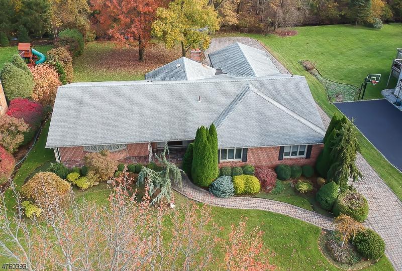 Maison unifamiliale pour l Vente à 345 DUNHAM Place Glen Rock, New Jersey 07452 États-Unis
