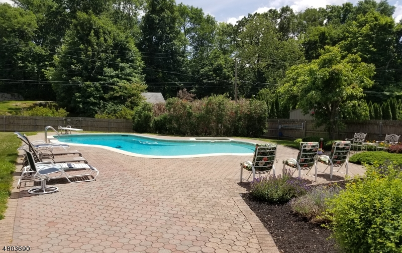 Additional photo for property listing at 120 Andover Sparta Road  Andover, New Jersey 07860 Stati Uniti