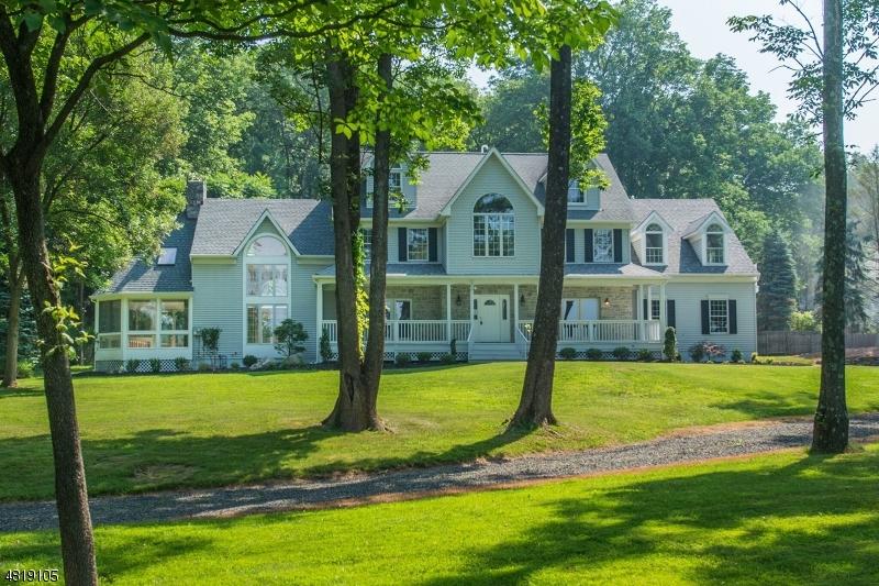 獨棟家庭住宅 為 出售 在 7 BLUE CLIFF Drive Clinton, 新澤西州 08833 美國