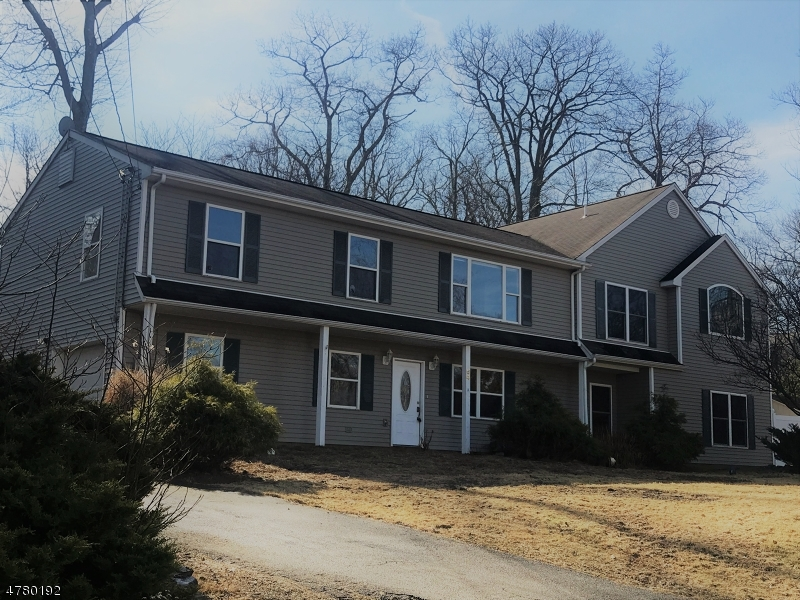 独户住宅 为 销售 在 64 CHATHAM Road 西米尔福德, 新泽西州 07421 美国