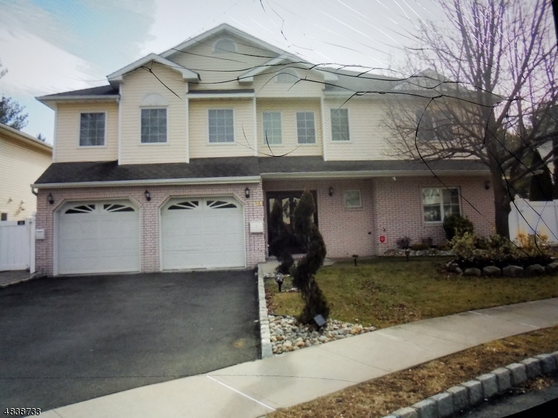 Maison avec plusieurs logements pour l Vente à 117 RITORTO Court Union Township, New Jersey 07083 États-Unis