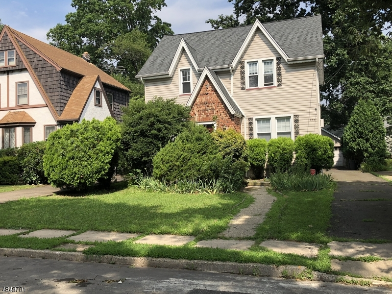 Single Family Home for Sale at 884 TOWNLEY Avenue Union, New Jersey 07083 United States