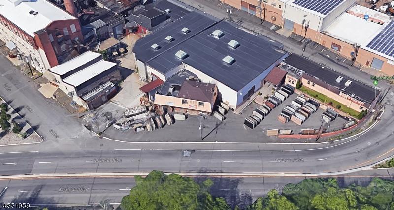 Commercial pour l Vente à 130 2ND Avenue Paterson, New Jersey 07522 États-Unis