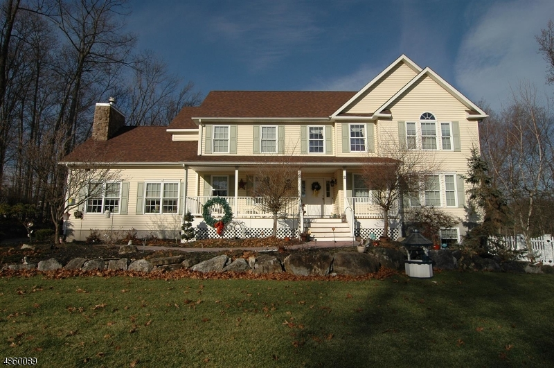 Single Family Home for Sale at 2 EAGLES NEST RD 2 EAGLES NEST RD Green Township, New Jersey 07860 United States
